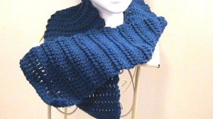 2013-12-04 Crocheted Scarf Rich Blue Peacock 2
