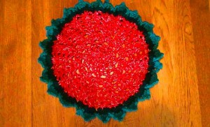 Christmas Doily - Red Green Gold 2