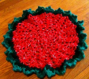 Christmas Doily - Red Green Gold