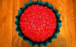 Christmas Doily - Red Green Gold 5