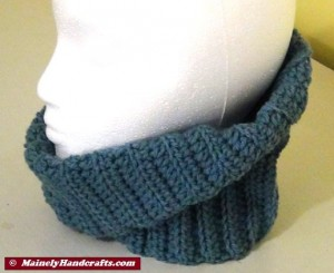 Fitted Cowl Neckwarmer - Blue