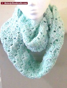Infinity Scarf Mint Green - Crocheted Cowl - Womens Snood 2