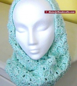 Infinity Scarf Mint Green - Crocheted Cowl - Womens Snood