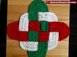 Christmas Crochet Hot Pad - Celtic Knot Design Hot Pad - Holiday Trivet - Red White Green Decor Mainely Handcrafts 3