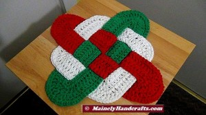 Christmas Crochet Hot Pad - Celtic Knot Design Hot Pad - Holiday Trivet - Red White Green Decor Mainely Handcrafts 4
