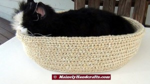 Beige Pet Basket - Soft Crochet Cat Bed - 16 inch Basket 2