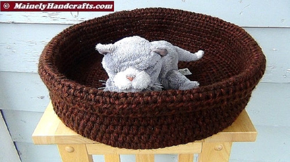 Crochet Pattern For Cat Bed : Double Chocolate Brown Basket ? Brown Pet Basket ? Large ...