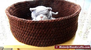 Double Chocolate Brown Basket - Brown Pet Basket - Large Pet Bed - Dog Bed - Cat Bed - Crochet Rolled Brim Basket 4